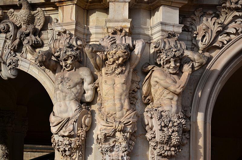 Zwinger Dresden, Skulpturenschmuck, Hermen am Wallpavillon
