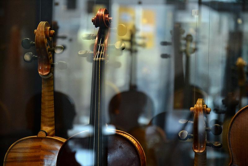 Musikinstrumenten-Museum, Berlin, Violinen