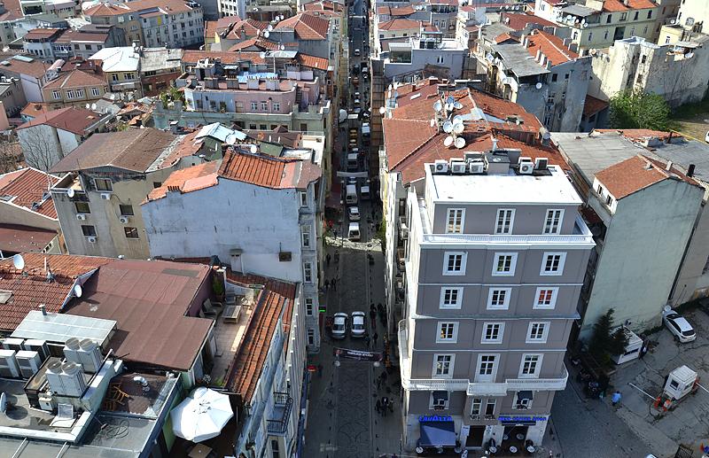 Istanbul, Galata Kulesi, Büyuk Hendek Caddesi
