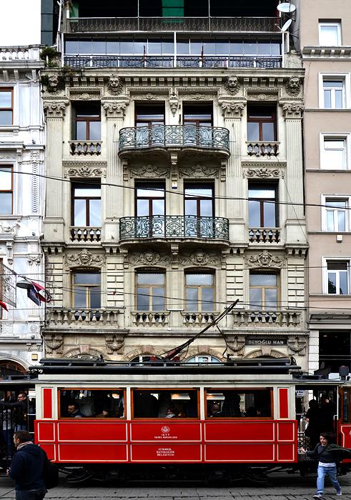Istanbul, Beyoğlu, Straßenbahn, İstiklal Caddesi, Architektur