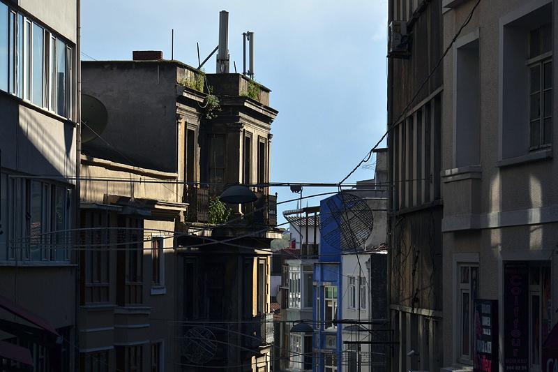 Istanbul, Yüksek Kaldirim Caddesi
