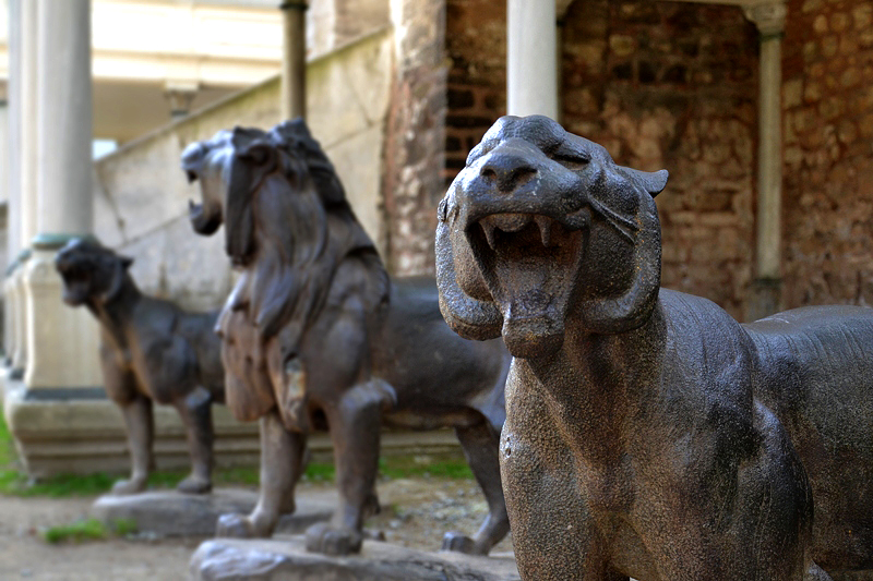 Topkapi-Palast, Lions at the fourth court