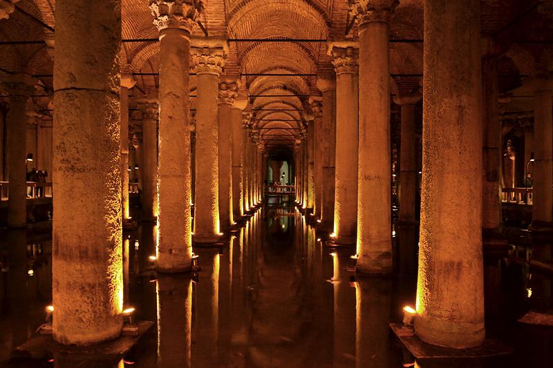 Istanbul, Säulen in der Yerebatan-Zisterne