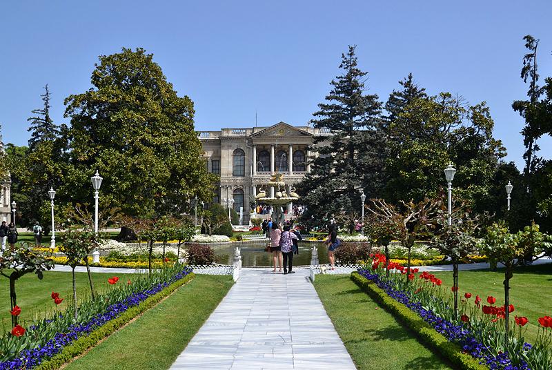 Beşiktaş, Dolmabahçe-Palast, Schwanenbrunnen