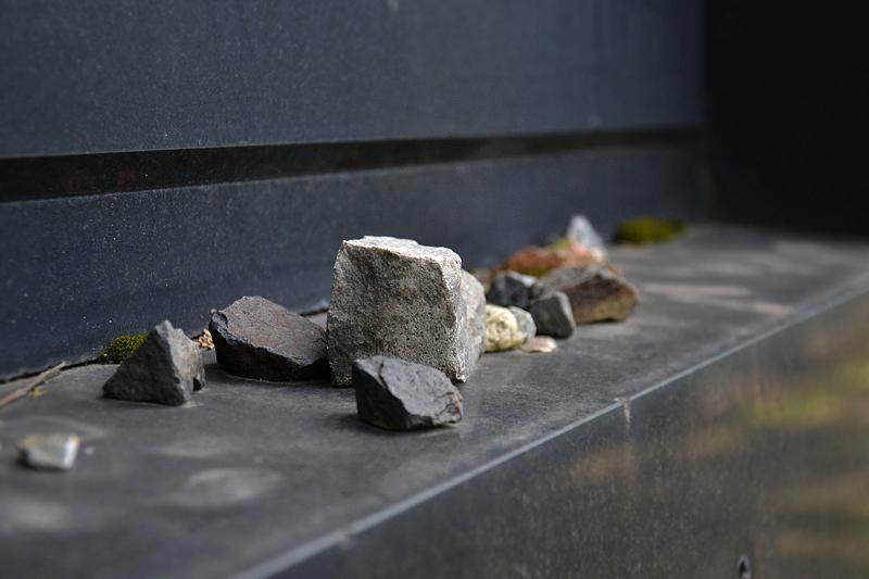 Steine, Jüdischer Friedhof Schönhauser Allee, Prenzlauer Berg, Berlin