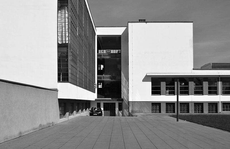 Bauhaus Dessau, Hinterhof