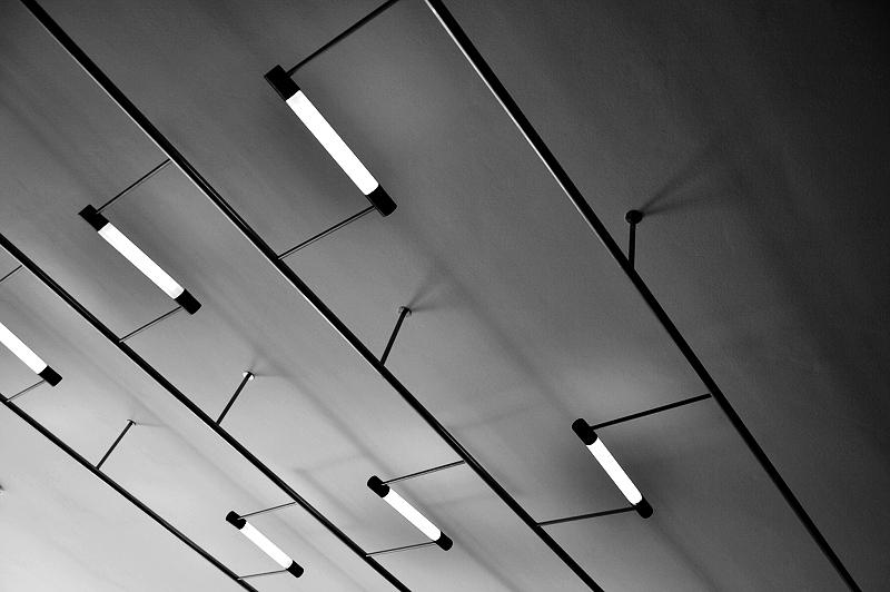 Bauhaus Dessau, Deckenlampen von Max Krajewski