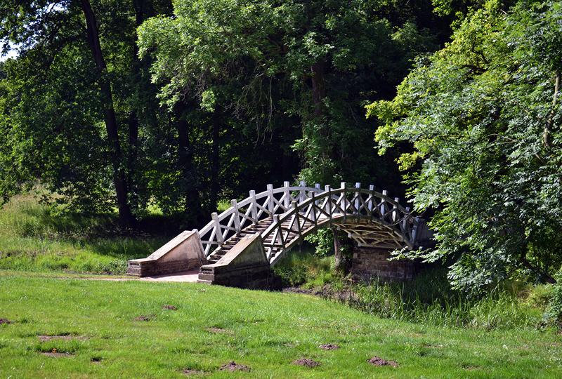 Brücke am Schloss Luisium Dessau