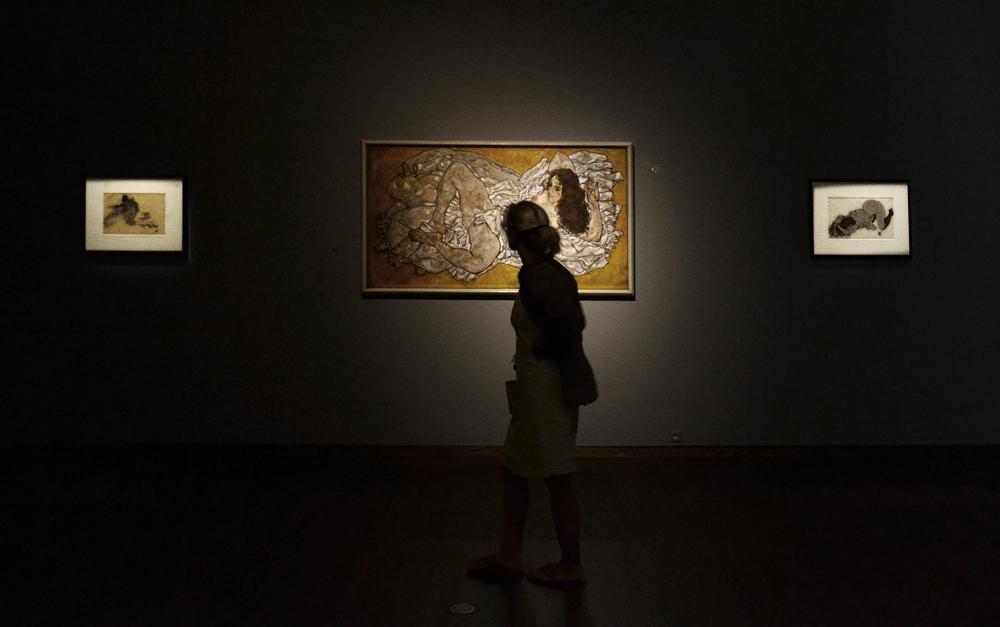 Egon Schiele, Liegende Frau (Leopold Museum)
