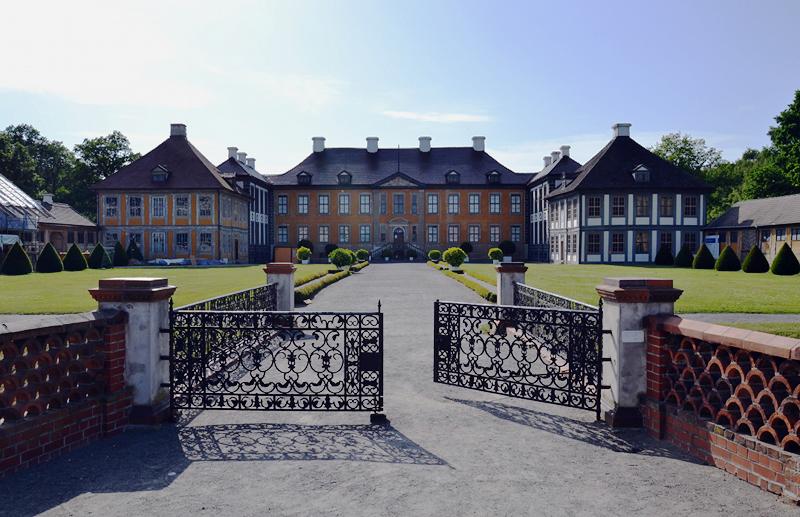Ehrenhof von Schloss Oranienbaum