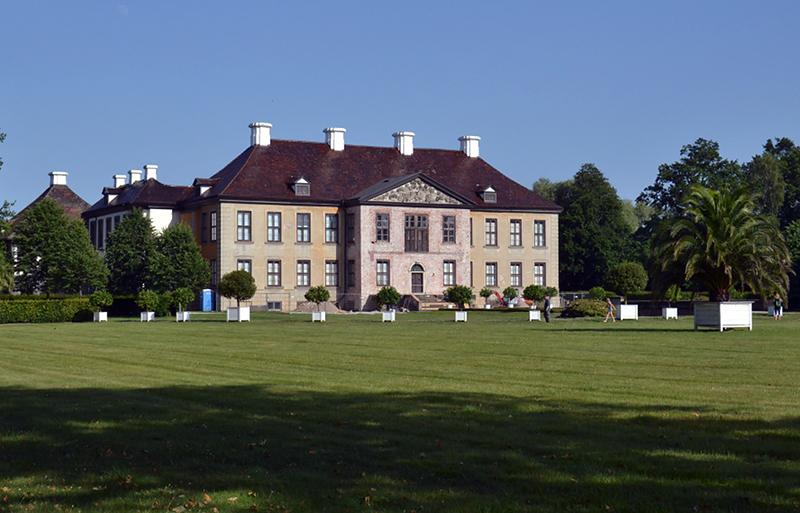 Schloss Oranienburg, Parkseite