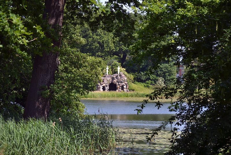 Amalieninsel im Großen Walloch, Park Wörlitz