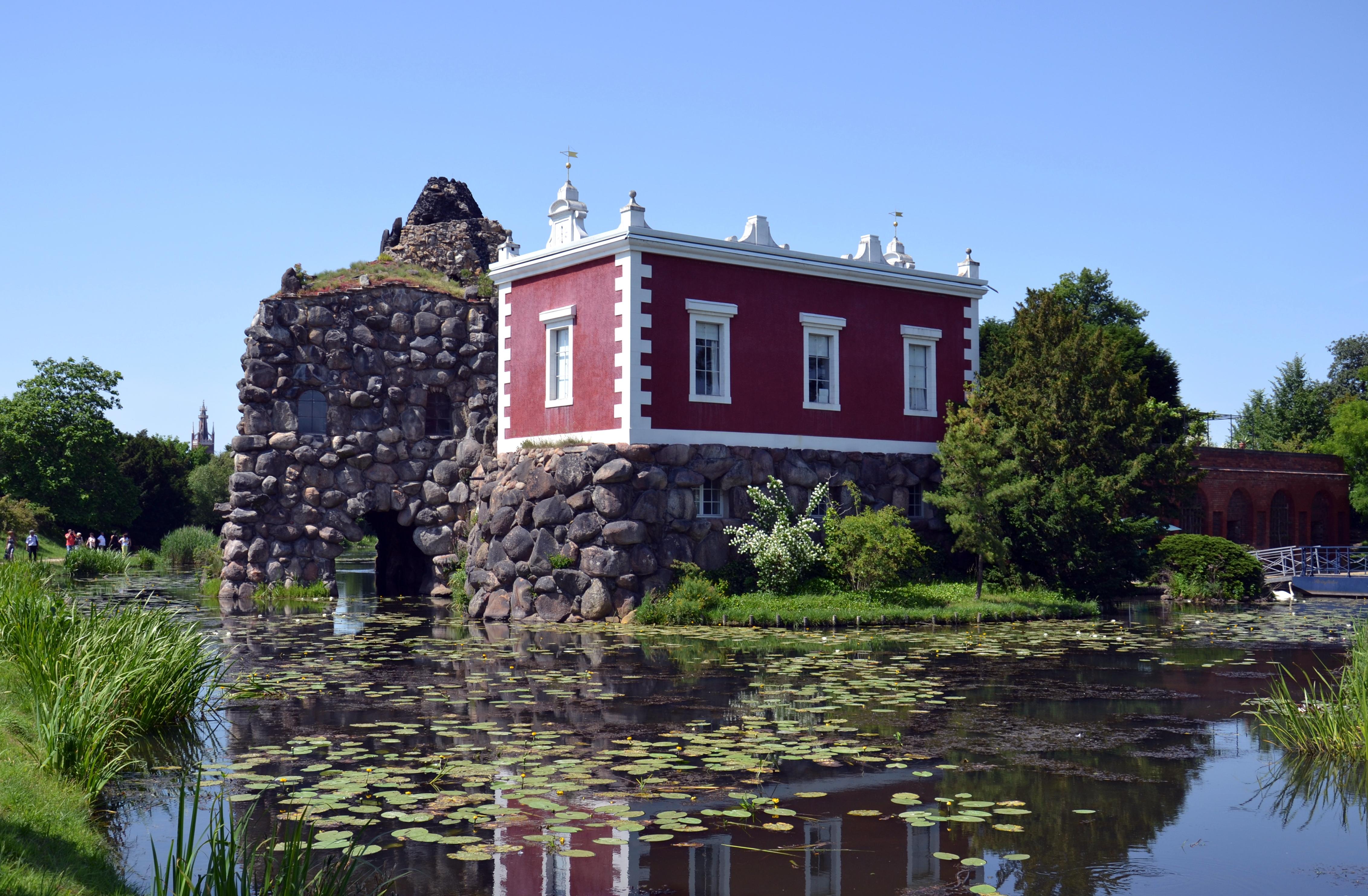 Villa Hamilton auf der Insel Stein im Wörlitzer Park