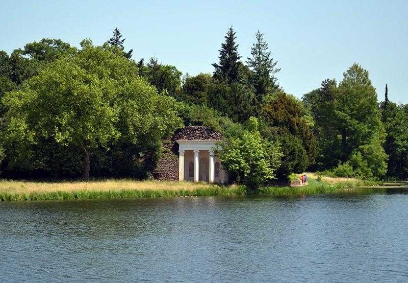 Nymphäum im Park Wörlitz