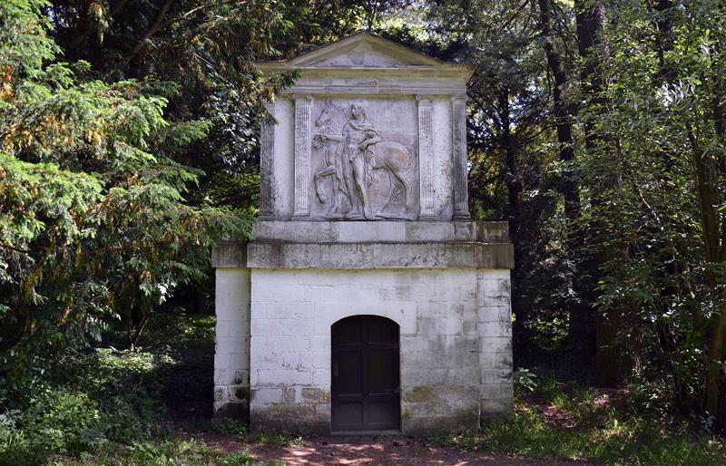 Wachhaus zum Pferde im Park Wörlitz