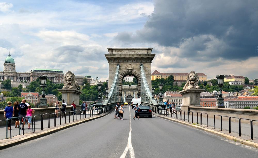 Széchenyi Lánchíd (Kettenbrücke) Budapest