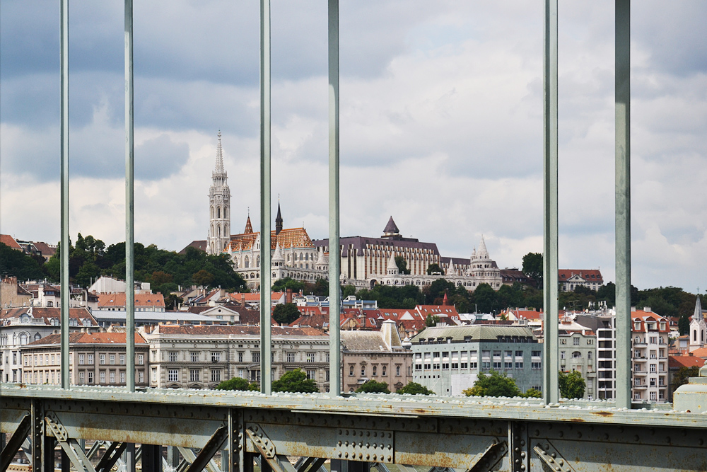 Széchenyi Lánchíd (Kettenbrücke) und Matthiaskirche