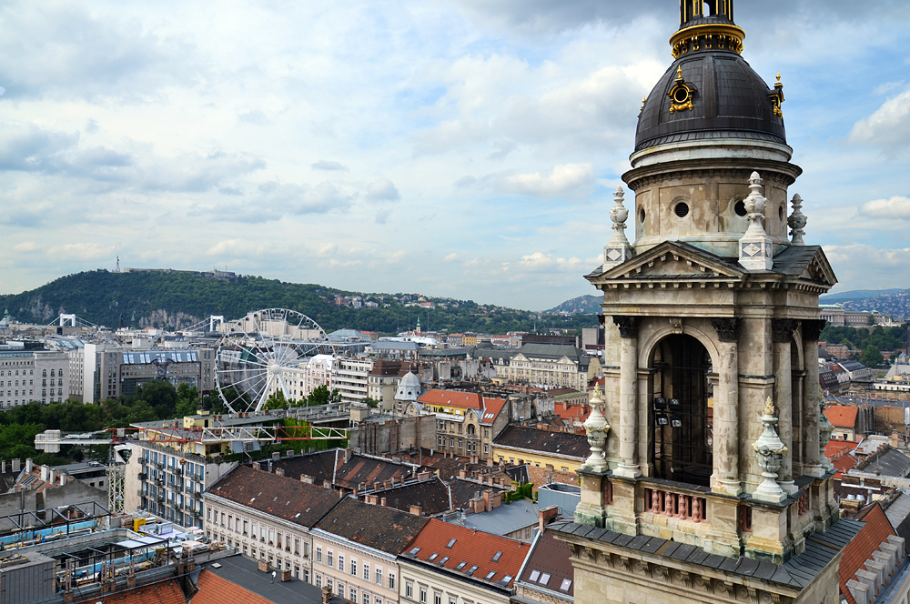 Blick von der St-Stephans-Basilika zum Gellértberg, Budapest