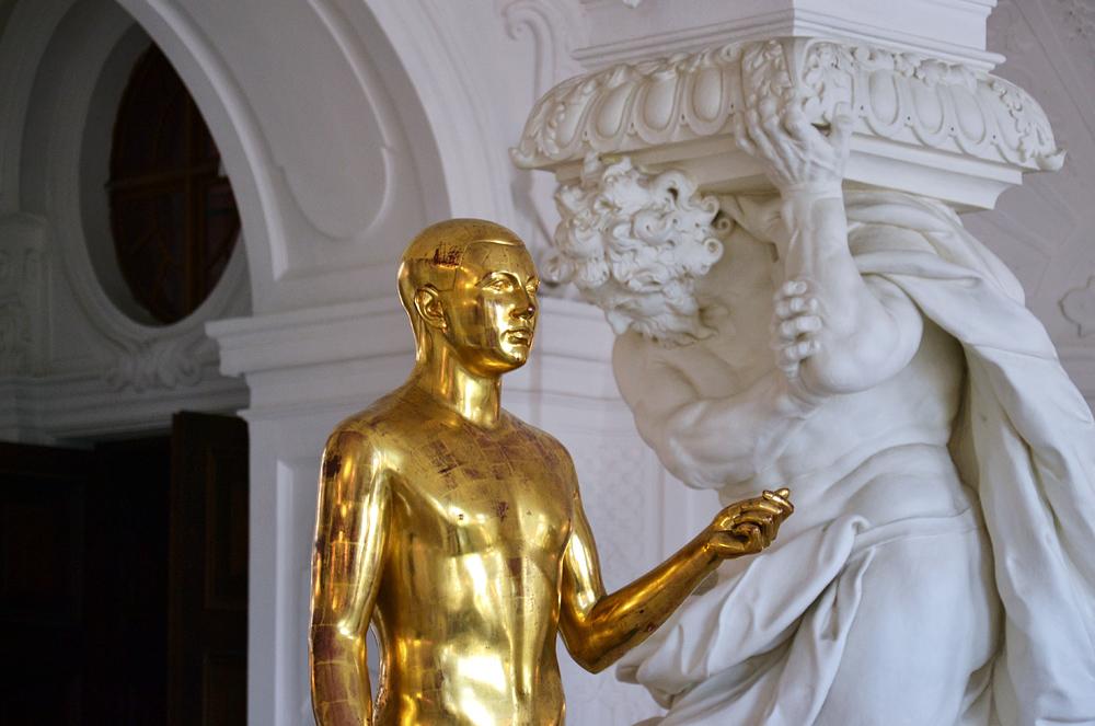 Sala terra, Jüngling von Franz Barwig d.Ä. im Oberen Belvedere