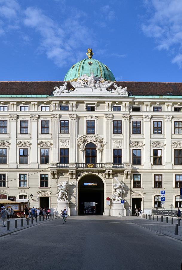 Herkulesgruppen am Reichskanzleitrakt der Hofburg