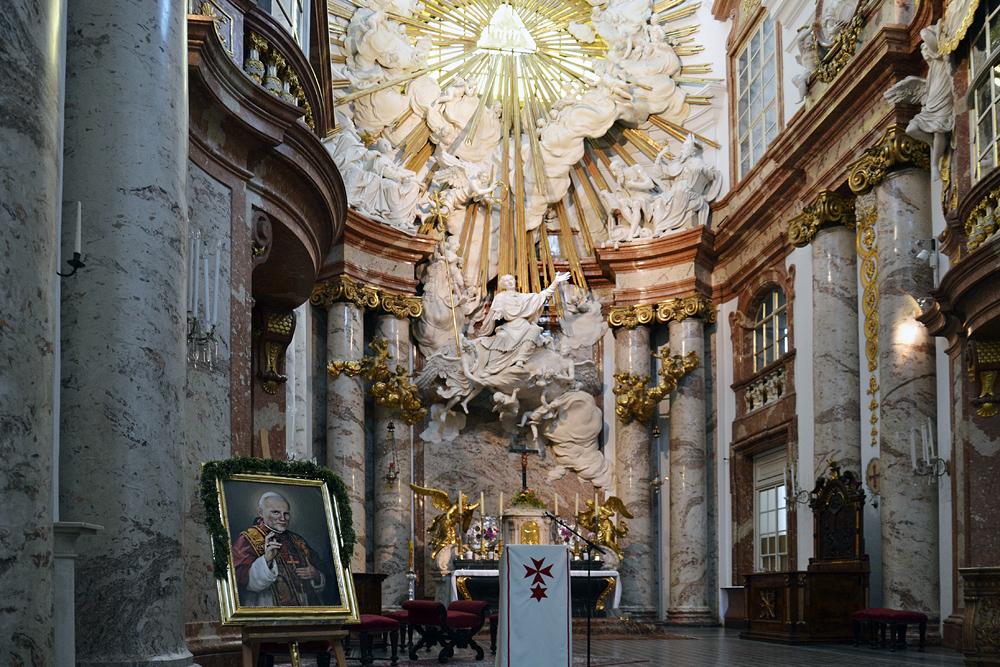Hochaltar der Karlskirche Wien