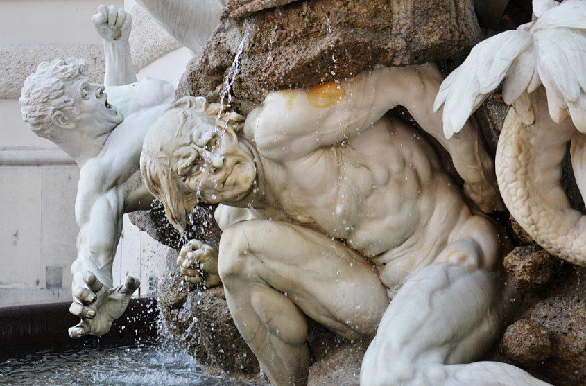 Brunnen Die Macht zu Lande von Rudolf Weyr am Michaelertrakt der Hofburg