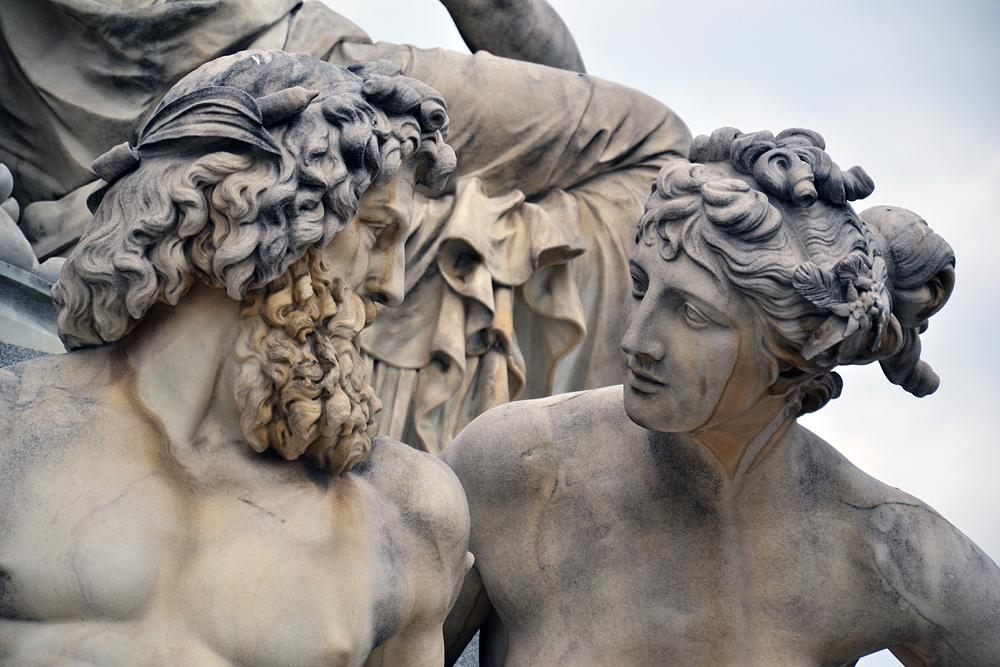 Athenebrunnen von Teophil Hansen vor dem Parlament