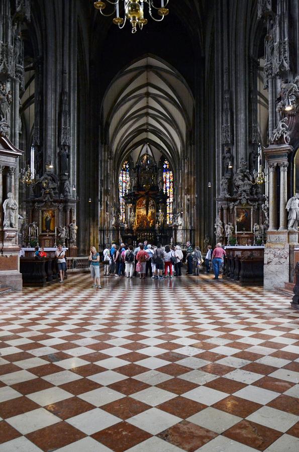 Mittelschiff des Stephansdoms Dom