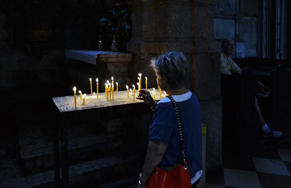 Wien, Opferkerzen im Stephansdom
