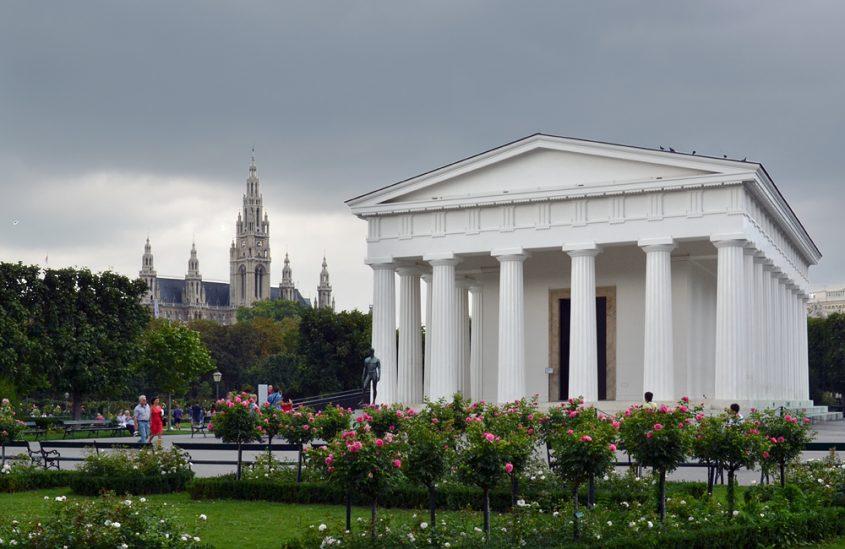 Theseustempel im Volksgarten Wien, Gewitter