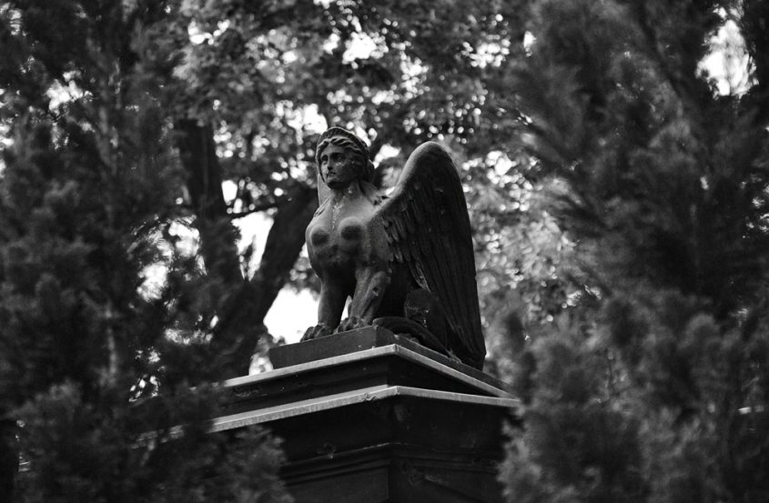 Fabian Fröhlich, Alter Luisenstädtischer Friedhof, Sphinx