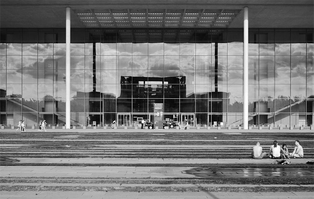 Fabian Fröhlich, Regierungsviertel Berlin, Paul-Löbe-Haus und Spiegelung Kanzleramt