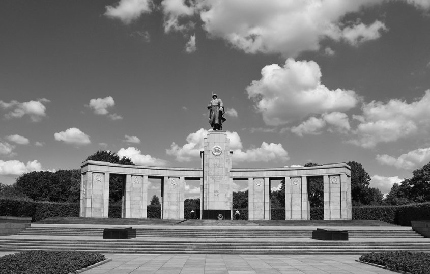 Sowjetisches Ehrenmal im Tiergarten Berlin