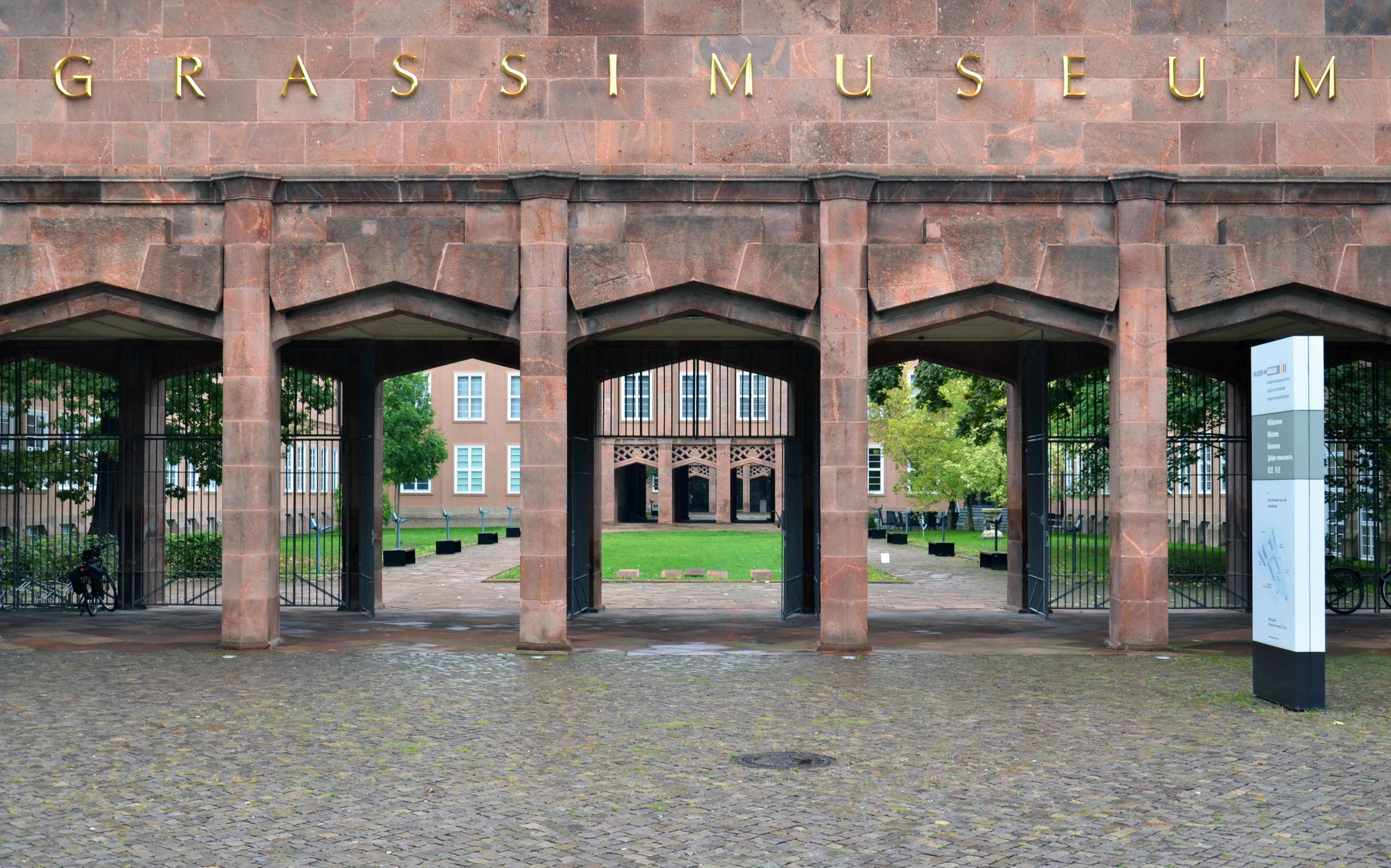 Grassi Museum für Angewandte Kunst Leipzig, Eingang