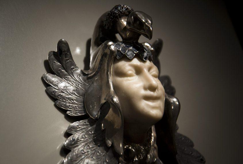 Kunstgewerbemuseum Berlin, Weibliche Maske mit Pfau von René Lalique