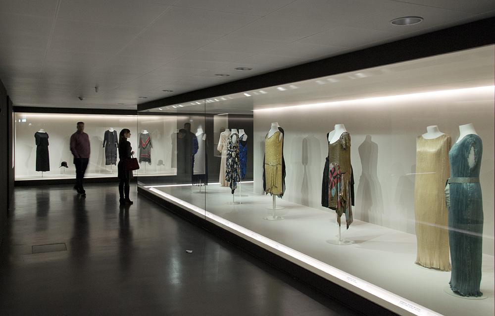Kunstgewerbemuseum Berlin, Tanz- und Abendkleider 1920er-Jahre in der Modegalerie