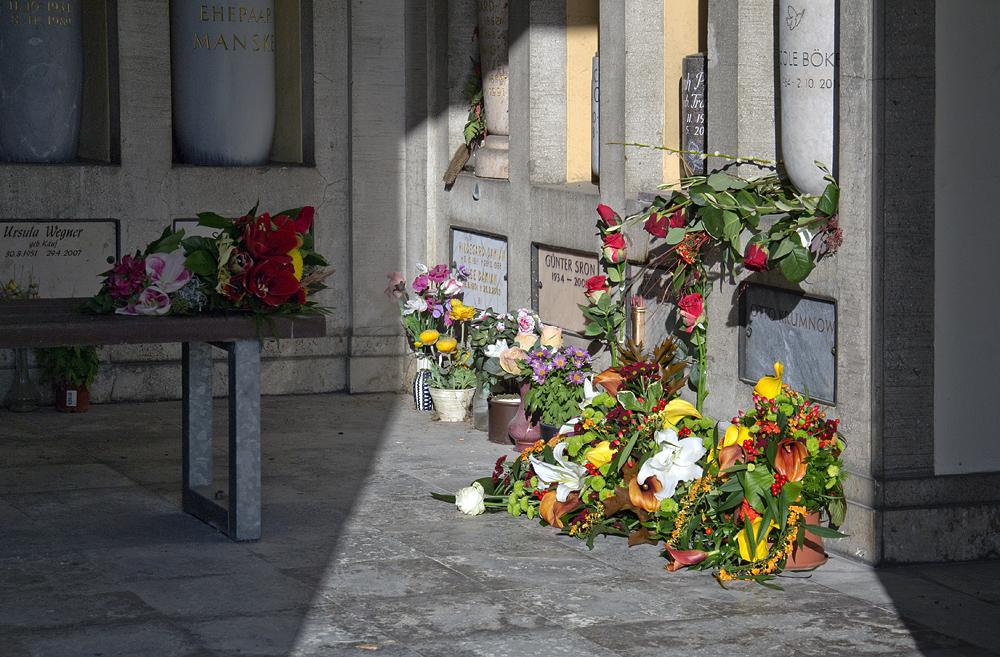 Friedhof Berlin Wilmersdorf, Blumen in den Kolumbarien
