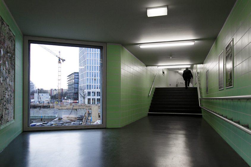 Hamburger Bahnhof, Berlin, Übergang zu den Rieckhallen