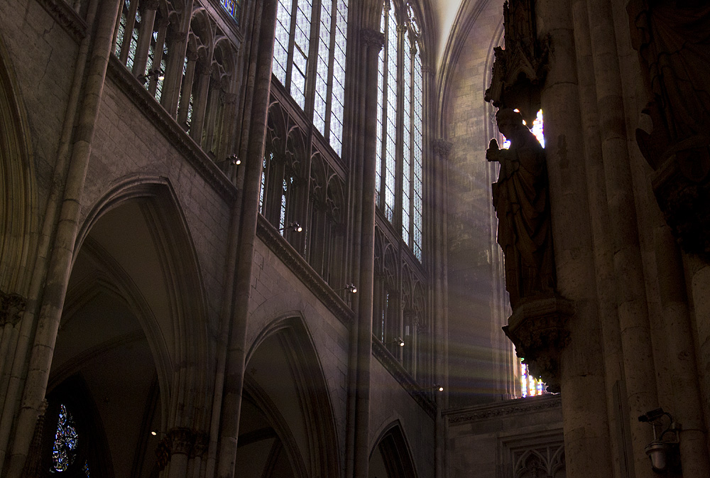 Kölner Dom, Vor dem Gerhard-Richter-Fenster