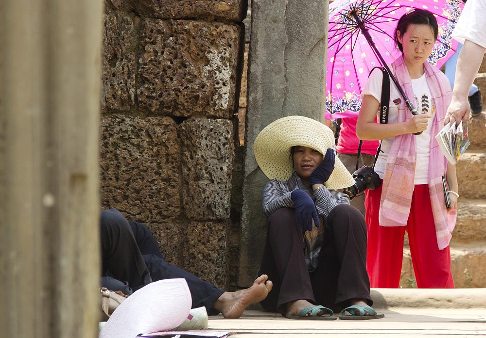 Angkor, Östlicher Mebon, Einheimische