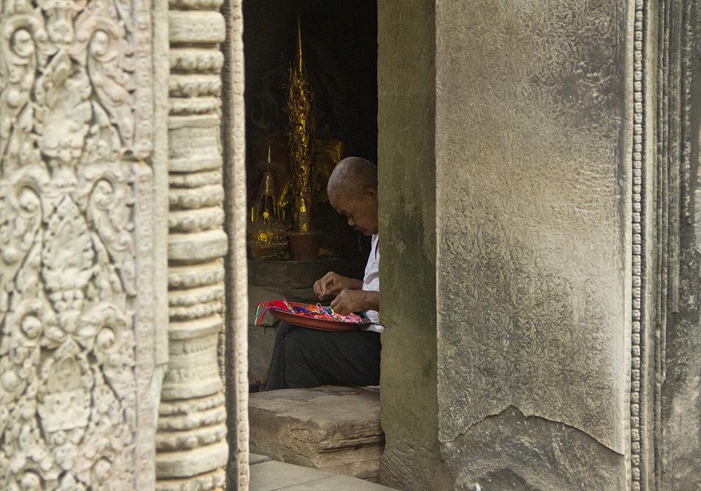 Angkor, Ta Prohm, Nonne