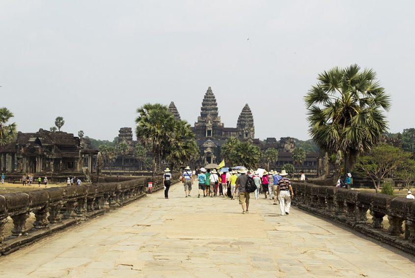 Angkor Wat, Damm und Tempel