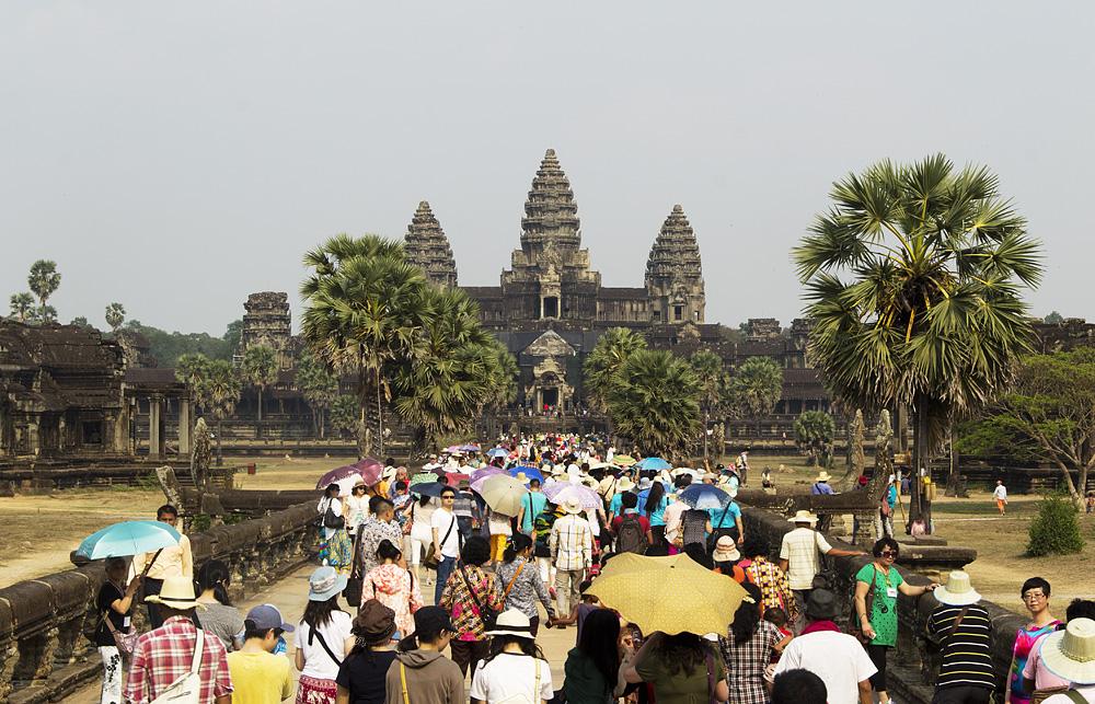 Angkor Wat, Damm