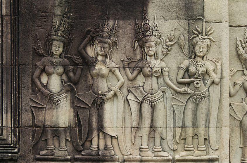 Angkor Wat, Apsaras