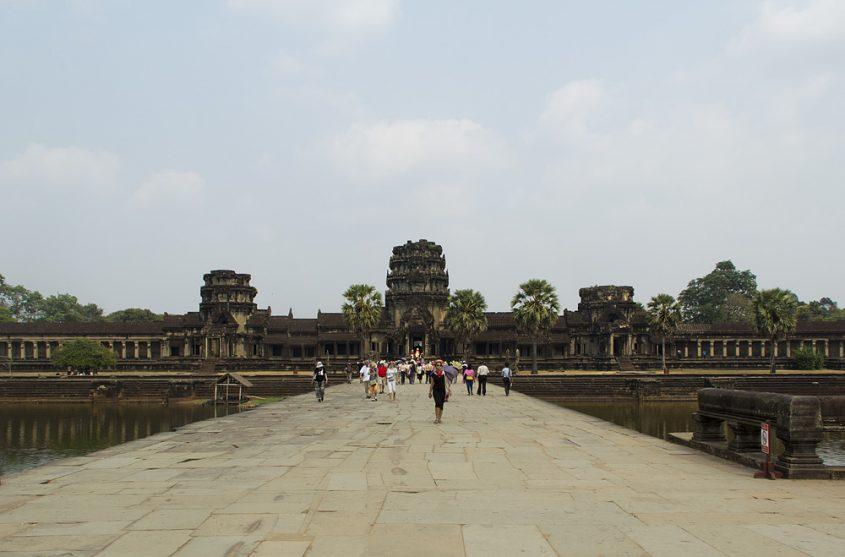 Angkor Wat, Brücke