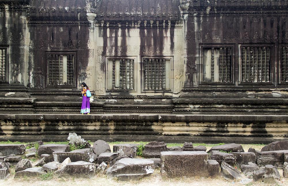 Angkor Wat, Außenmauer