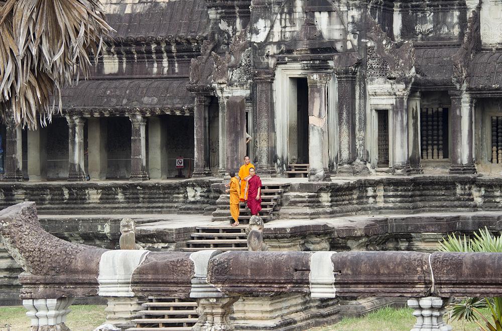 Angkor Wat, Mönche