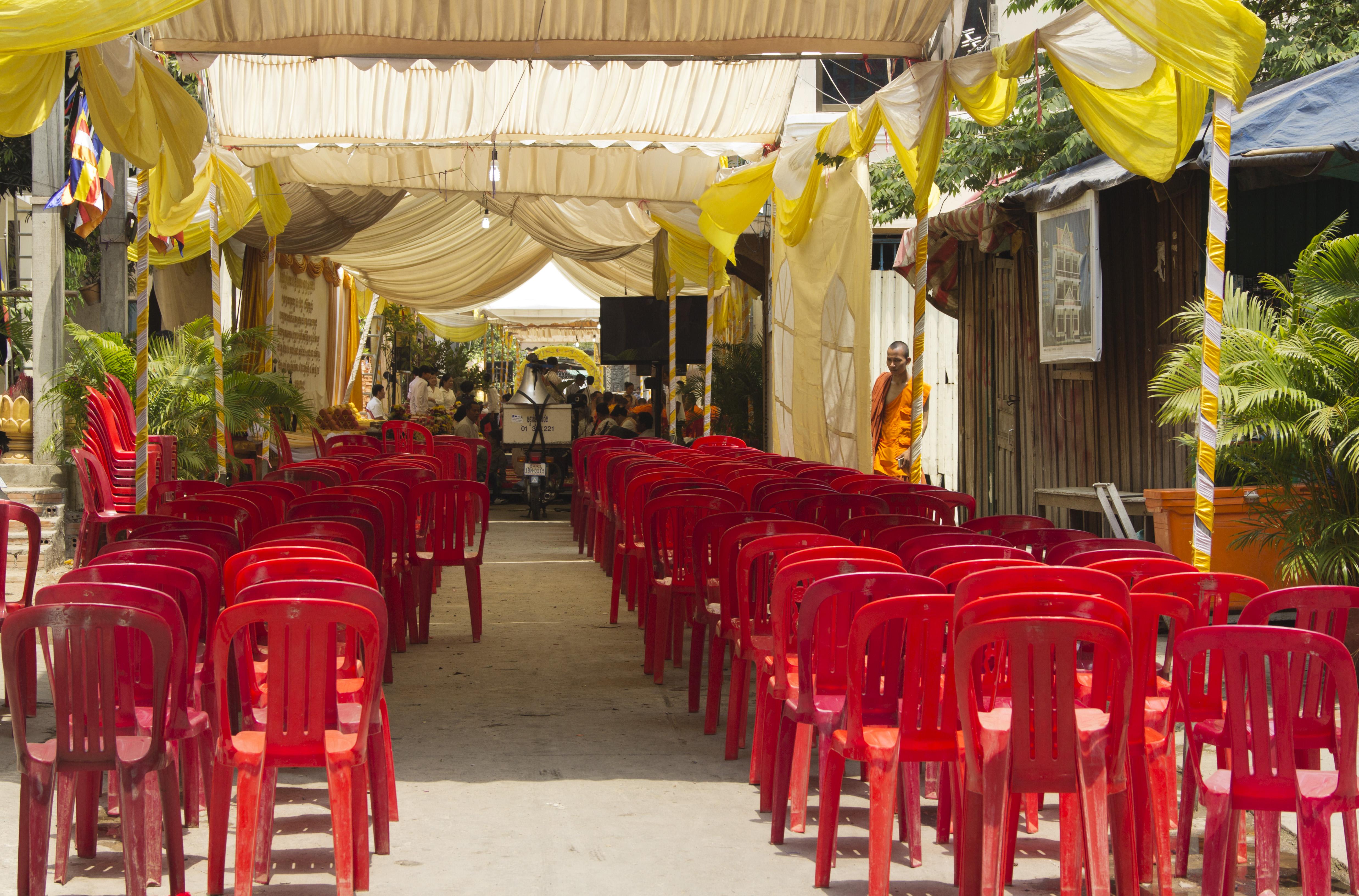 Phnom Penh, Wat Sarawan