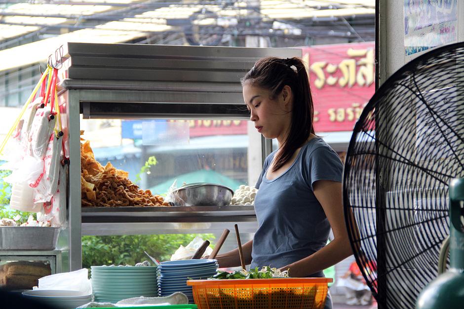 Bangkok, Thanon Chakrabongse, Street Food