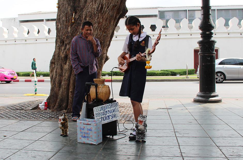 Bangkok, Nähe Thanon Pin Klao, Straßenmusik
